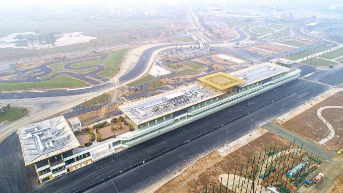 F1 GP Vietnam, la palazzina dei box del circuito di Hanoi vista dall'alto