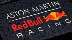 F1: il logo del team Red Bull Racing, sponsorizzato da Aston Martin