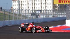 F1, le monoposto più brutte del decennio: posizione #2, la Ferrari F14-T nel Gp di Russia 2014