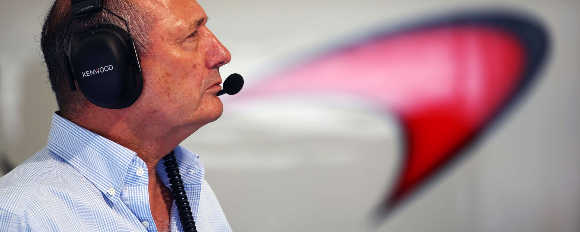 F1, l'ex team principal Ron Dennis all'interno del box McLaren