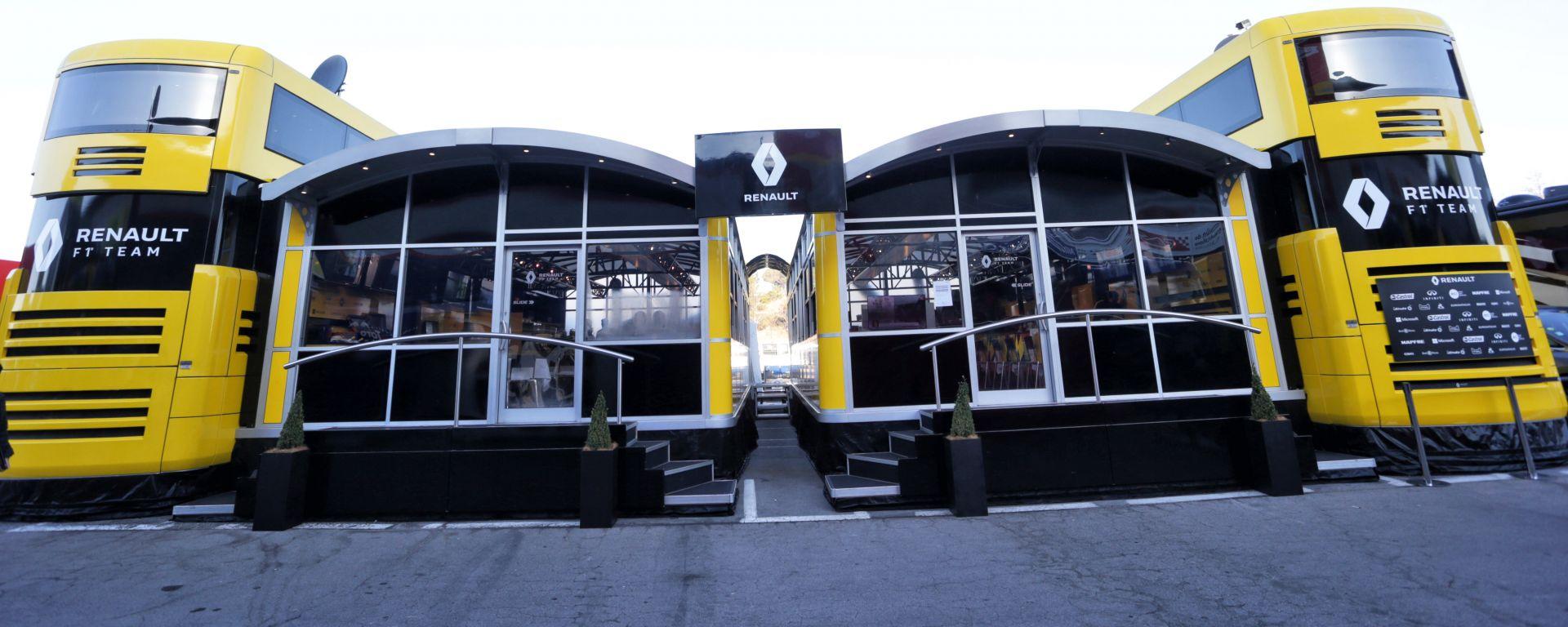 F1: l'hospitality Renault nel paddock