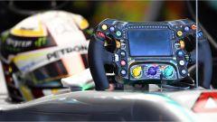 F1 Malaysian GP - il volante di Lewis Hamilton