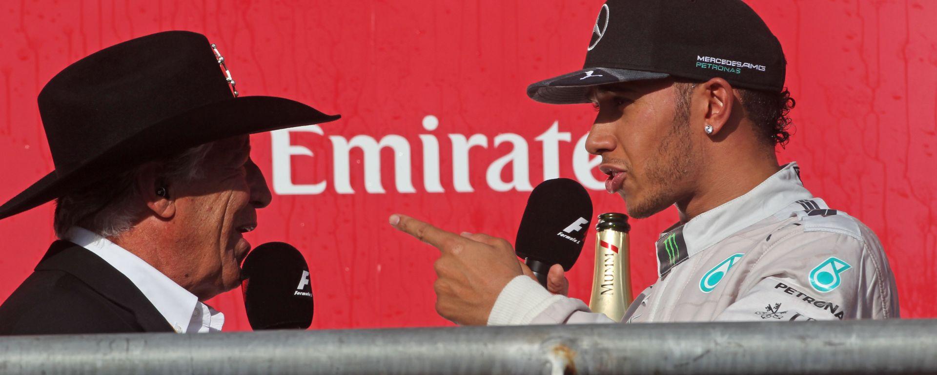 F1: Mario Andretti e Lewis Hamilton sul podio di Austin