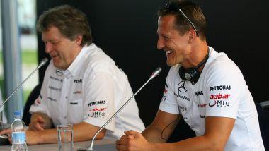 F1, Michael Schumacher e Norbert Haug (Mercedes) nel 2012