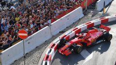 F1 Milan Festival, Vettel sgassa (e sbatte!) in Darsena - Immagine: 1