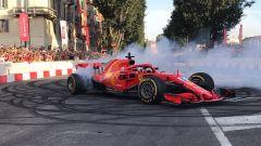 F1 Milan Festival, Vettel sgassa (e sbatte!) in Darsena - Immagine: 4