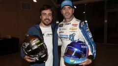 Fernando Alonso e Jimmie Johnson si sono scambiati l'auto per un giorno - Immagine: 2