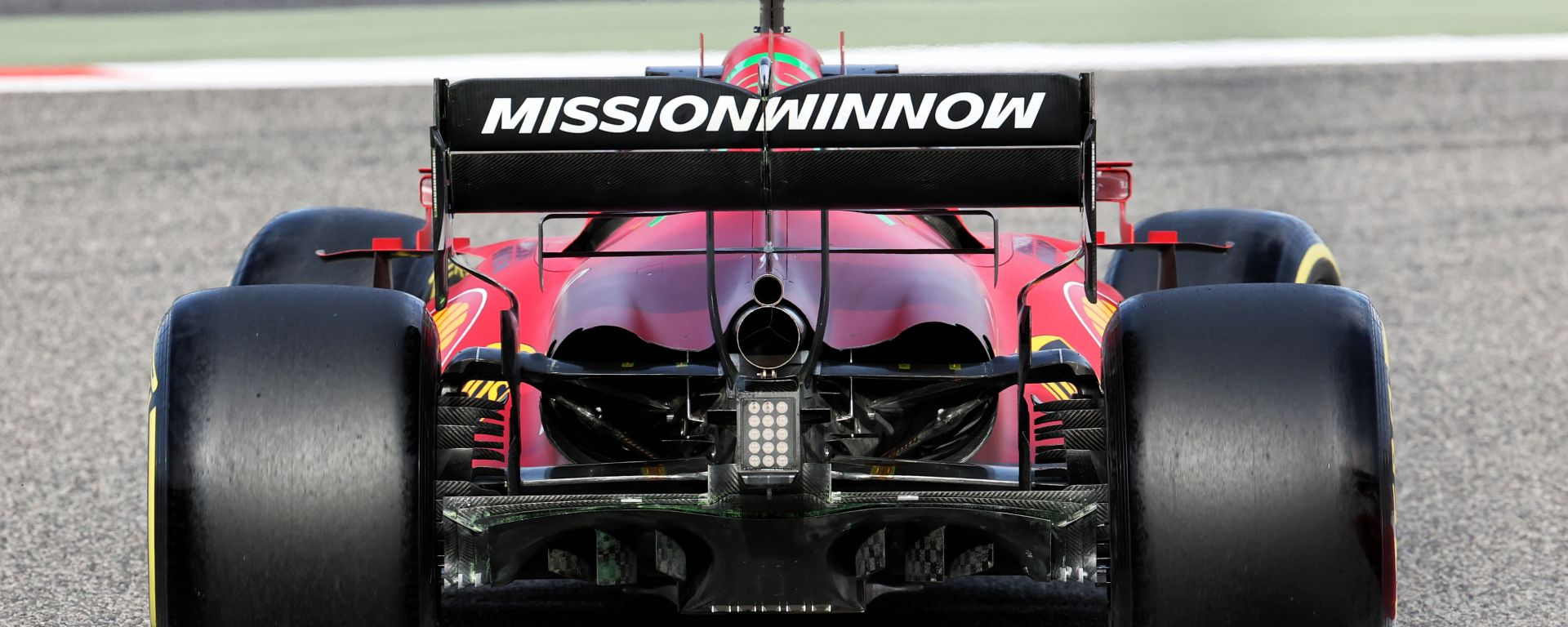 F1 Test Bahrain 2021, Sakhir: la Ferrari SF21 in pista