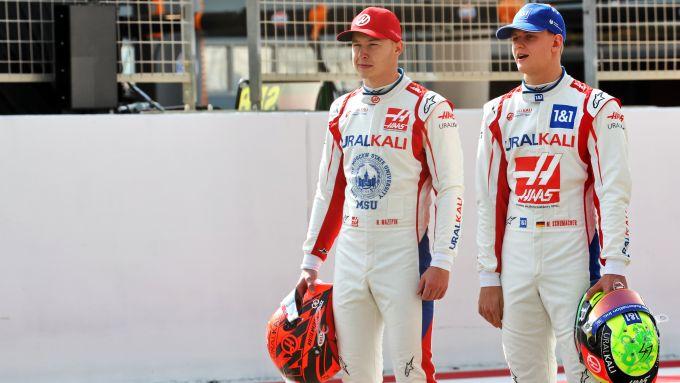 F1 Test Bahrain 2021, Sakhir: Mick Schumacher e Nikita Mazepin (Haas F1 Team)