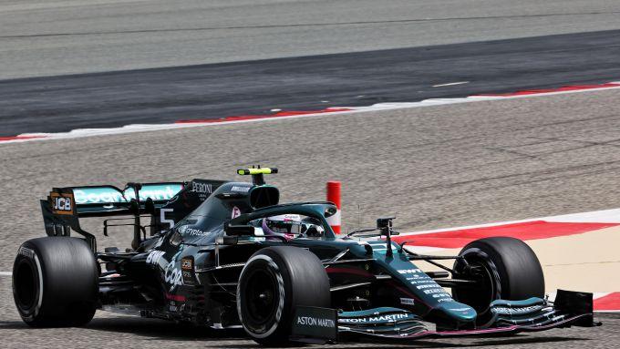 F1 Test Bahrain 2021, Sakhir: Sebastian Vettel (Aston Martin Racing)