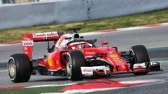 F1 Test Barcellona 2016: Kimi Raikkonen (Scuderia Ferrari) prova l'Halo per la prima volta