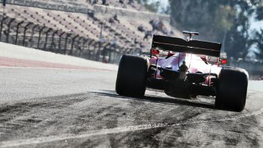 F1 Test Barcellona 2020, Day-2: Sebastian Vettel (Ferrari) all'uscita dai box
