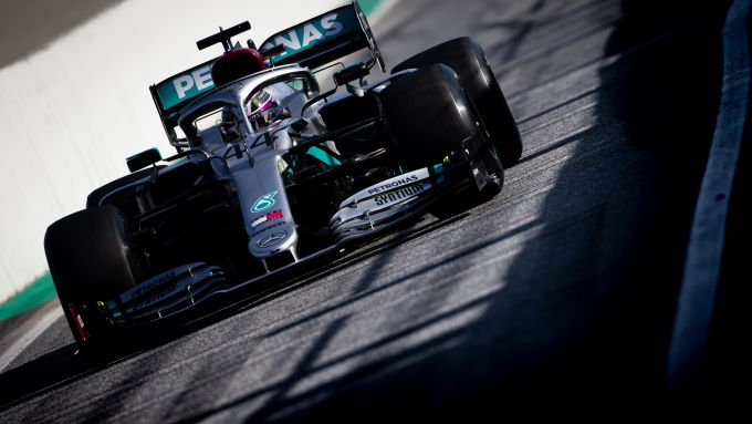 F1 Test Barcellona 2020: la Mercedes W11 EQ Performance in pista con Lewis Hamilton