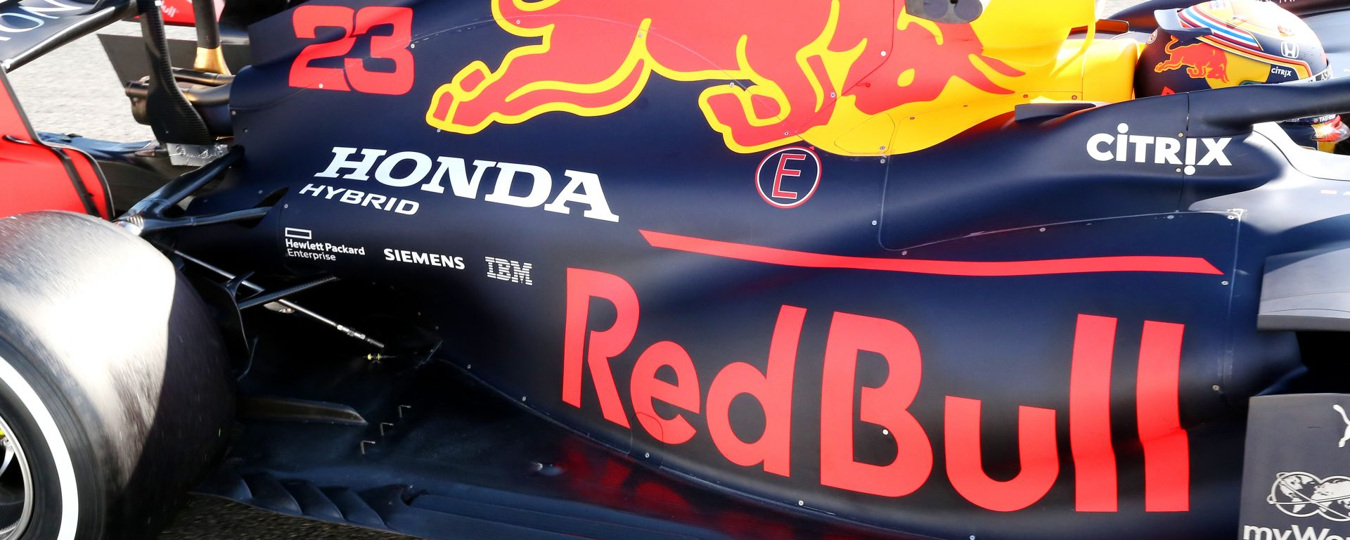 F1, test Barcellona 2020: la Red Bull di Alex Albon