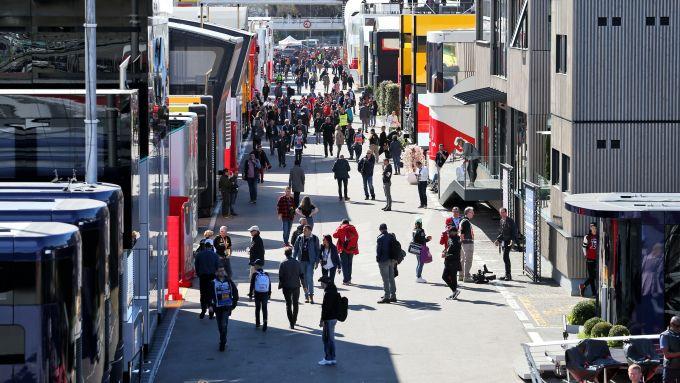 F1 Test Barcellona 2020: l'affollato paddock visto dall'alto