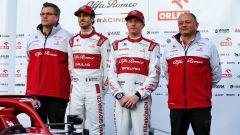 F1 Test Barcellona 2020: Vasseur con Raikkonen, Giovinazzi e il DT dell'Alfa Romeo Jan Monchaux
