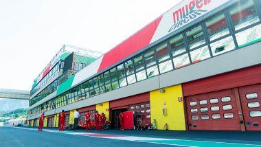 F1 Test Ferrari Mugello 2020: azione ai box della Rossa