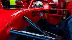 F1 Test Ferrari Mugello 2020: la scritta #WeRaceAsOne sulla sospensione della SF71H