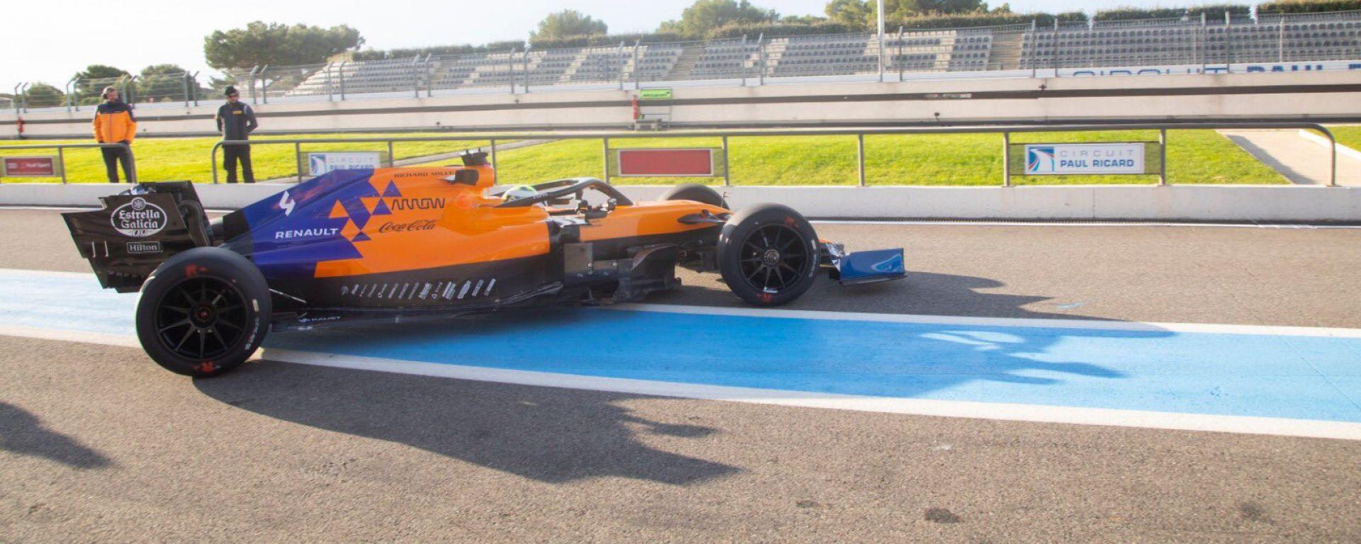 F1, test Pirelli 18 pollici: Lando Norris (McLaren) impegnato al Paul Ricard