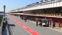 F1 Testing, Barcellona-2 day 1, la pitlane del Circuito della Catalunya