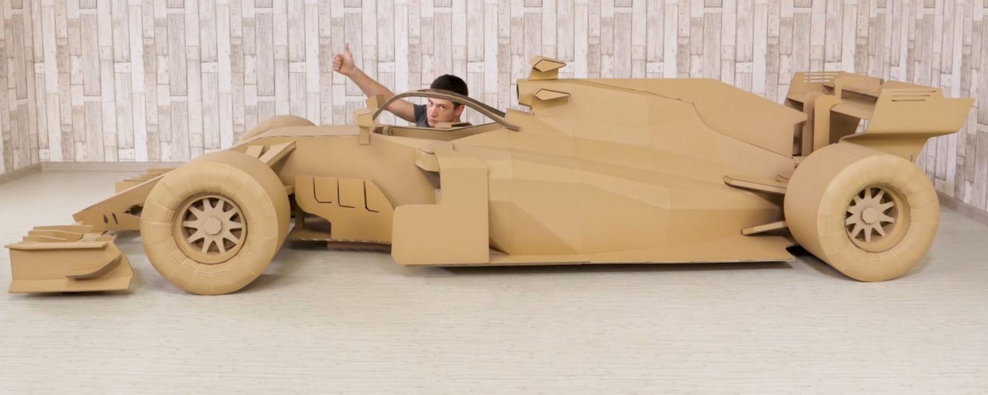 Quarantena? Mi costruisco la Ferrari di Vettel in... cartone - Video