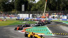 F2 2019, Monza Sprint Race: Aitken guida il gruppo in Prima Variante