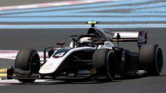 F2 Feature Race Francia, De Vries vince e allunga in classifica