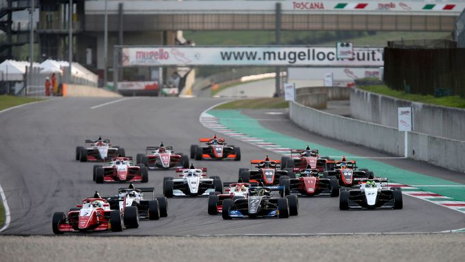 F3 Regional, Mugello: la partenza di gara-1