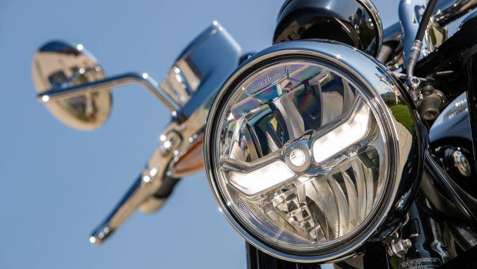 Faro anteriore full LED della BMW R 18 First Edition