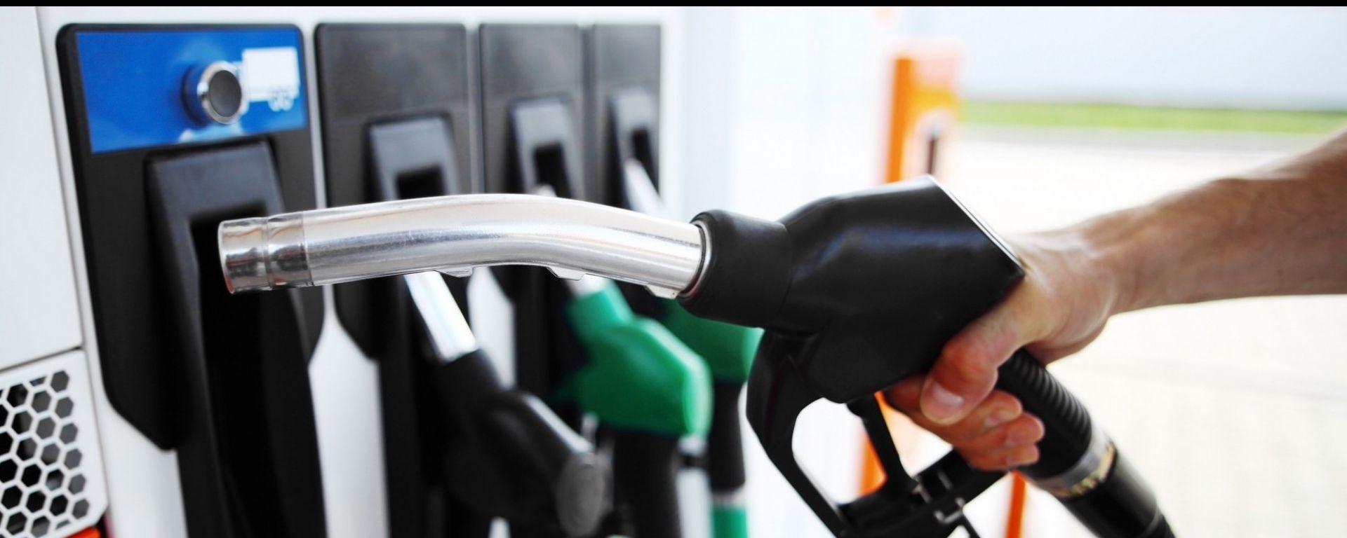 Fattura elettronica carburanti, arriva la sospirata proroga