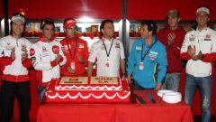 Fausto Gresini festeggia i 200 GP da team manager con alcuni dei suoi primi piloti, tra cui Loris Capirossi e Marco Melandri