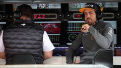Fernando Alonso al muretto McLaren a Monza