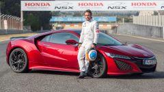 Fernando Alonso con la Honda NSX di sua proprietà