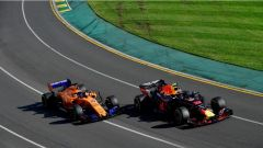 Fernando Alonso contro Daniel Ricciardo