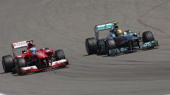 Fernando Alonso e Lewis Hamilton al Nurburgring nel 2013