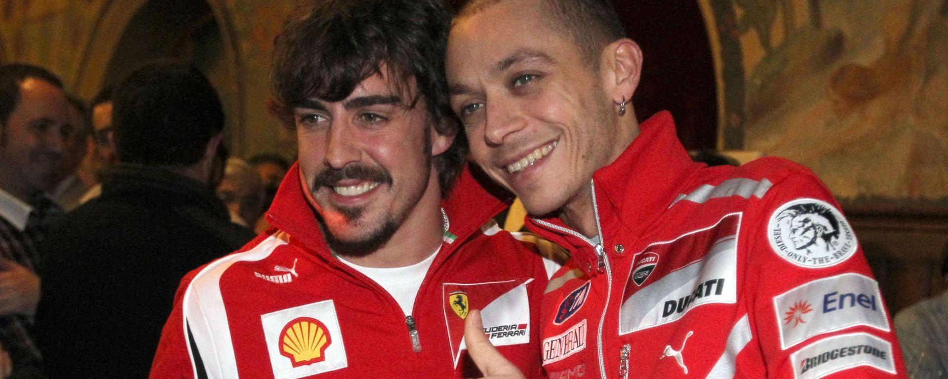 Fernando Alonso e Valentino Rossi assieme ai tempi di Ferrari e Ducati