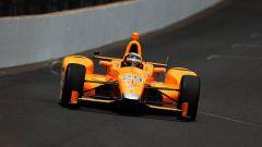 Fernando Alonso impegnato nella 500 miglia di Indianapolis del 2017