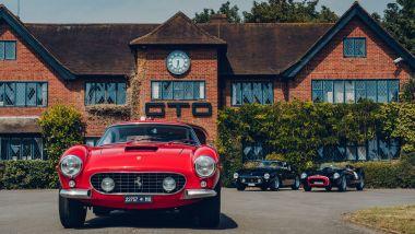 Ferrari 250 GT SWB Berlinetta Competizione Revival davanti alla sede della GTO Engineering