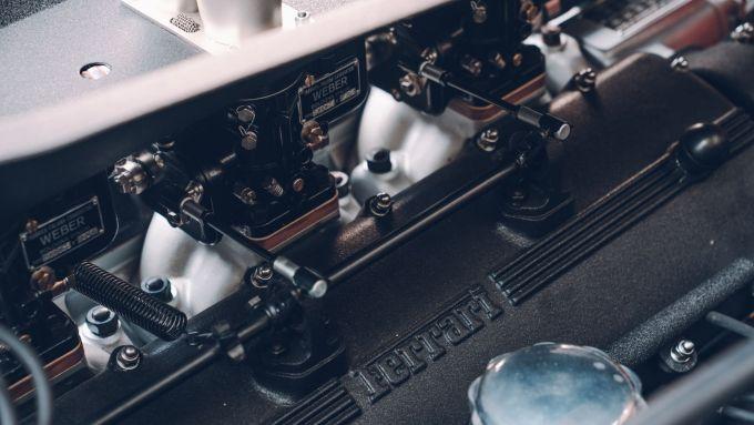 Ferrari 250 GT SWB Berlinetta Competizione Revival, i tre carburatori Weber