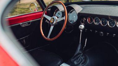 Ferrari 250 GT SWB Berlinetta Competizione Revival, la leva del cambio in primo piano
