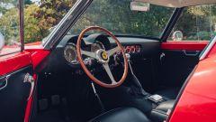 Ferrari 250 GT SWB Berlinetta Competizione Revival, si noti la pedaliera