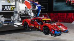 Una Ferrari 488 Lego Technic a 200 km/h? Guarda il video POV - Immagine: 13
