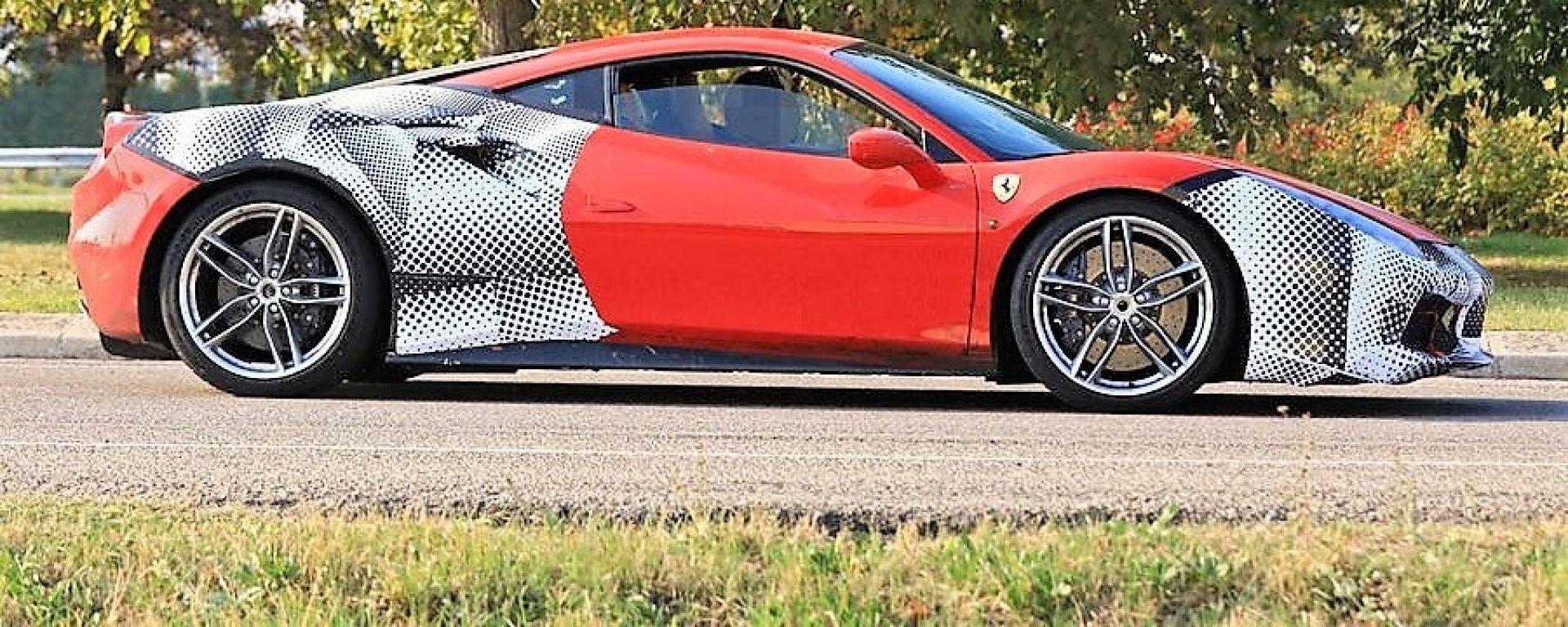 Ferrari 488 GTO: la vista laterale del muletto