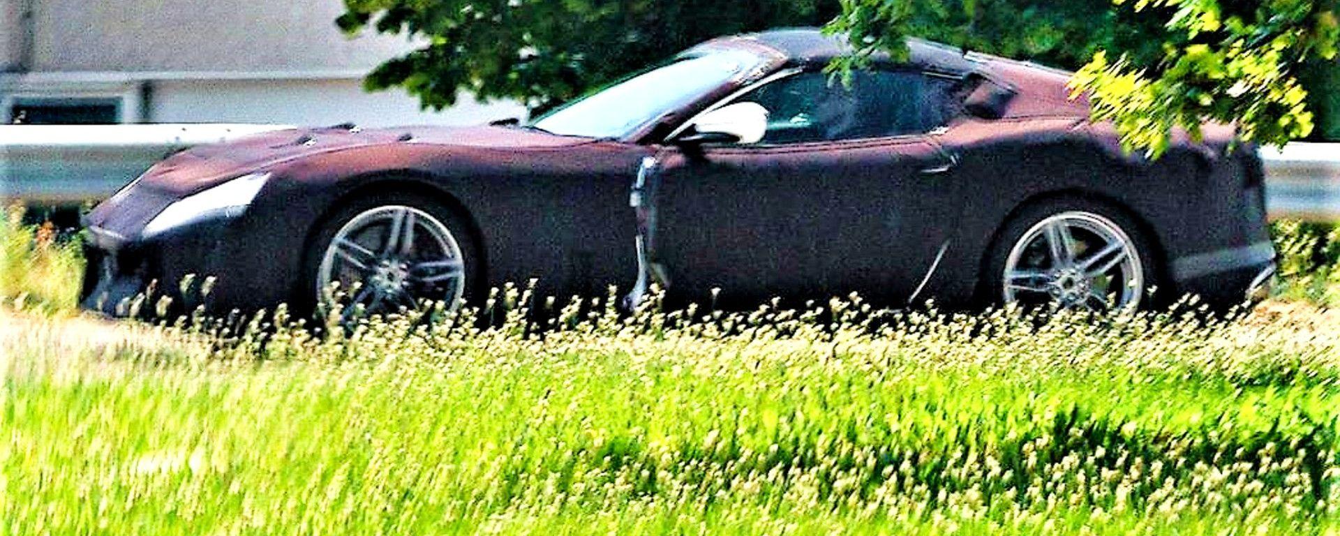 Ferrari 812 Spider, la prima foto spia?