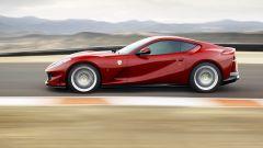 Ferrari 812 Superfast: vista laterale