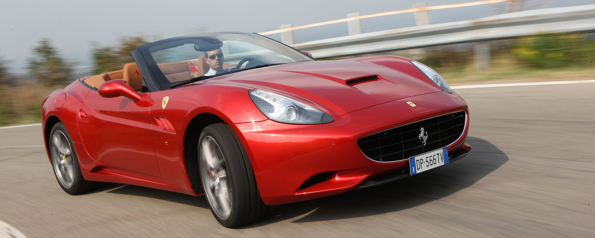 Ferrari California my 2012, ora anche in video