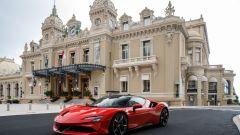 Ferrari davanti al Casino di Monte Carlo