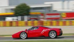 Ferrari Enzo, vista laterale