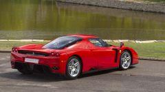 Ferrari Enzo: vista posteriore destra
