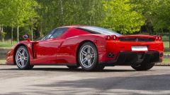 Ferrari Enzo: vista posteriore sinistra